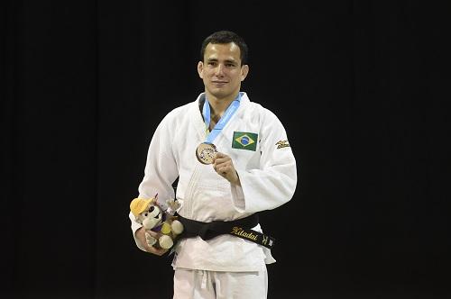 Jogos Panamericanos Toronto 2015 - O brasileiro Felipe Kitadai, Ligeiro (-60 kg) ganhou a medalha de prata.FOTO:WILLIAM LUCAS/INOVAFOTO