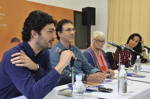 O curador da FLIP Paulo Werneck; o diretor da Casa Azul, Mauro Munhoz; a presidente da FLIP Liz Calder e a diretora da Casa Azul, Izabel Costa durante a coletiva de encerramento da FLIP (Tânia Rêgo/Agência Brasil)