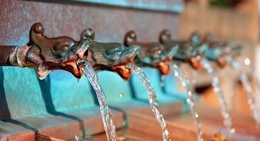 fountain-197334_640