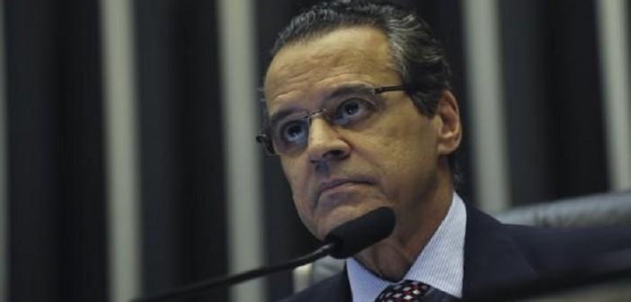 Depois de um mês no cargo, o ministro do Turismo, Henrique Eduardo Alves, pede demissão. Ele foi citado nos depoimentos de Sérgio Machado, dados em acordo de delação premiada à força-tarefa da Lava Jato. FOTO:José Cruz/Agência Brasil