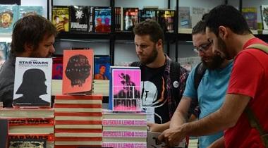 A 24ª Bienal Internacional do Livro de São Paulo, no Pavilhão de Exposições do Anhembi,  tem  ofertas de obras literárias, além de programação cultural. Foto: Rovena Rosa/Agência Brasil