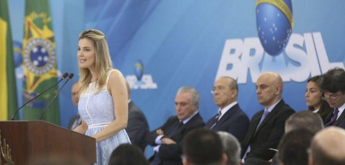 Brasília - A primeira-dama Marcela Temer fala no lançamento do Programa Criança Feliz, no Palácio do Planalto (Antonio Cruz/Agência Brasil)